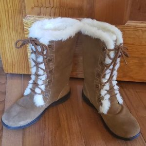 WHITE MOUNTAIN SUEDE BOOTS